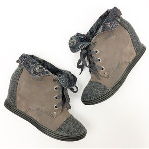 Blowfish Ankle Wedge Fold Over Boot Grey Size 8
